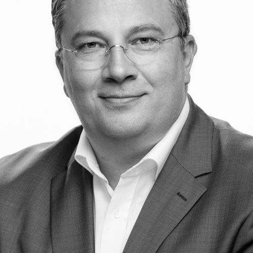 Prof. (FH) Dr. Hanno Pöschl, MSc, MBA